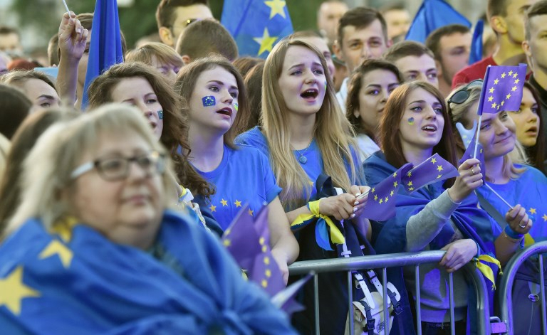 EU love show visa free 10 june foto AFP