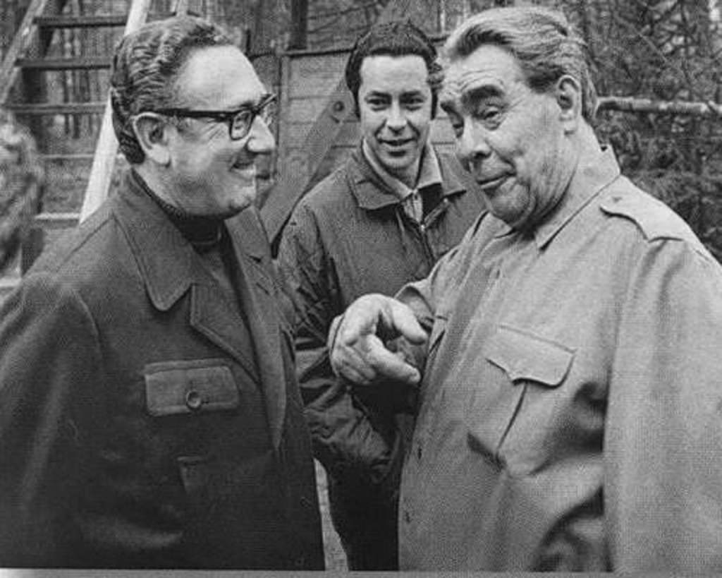 kissinger and brezhnev