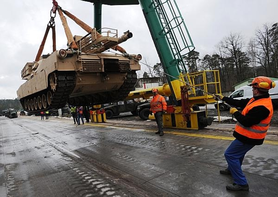 last american tank leaves germany foto US Army
