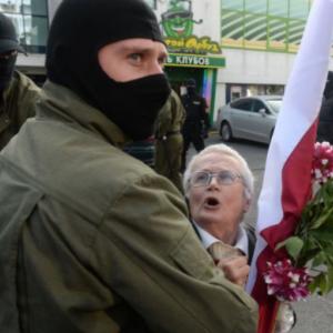Open een Europese universiteit voor gevluchte Russen en Wit-Russen